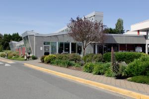 victoria library saanich branch