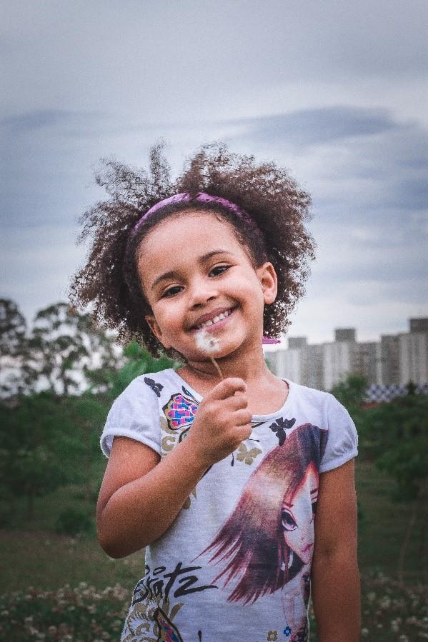 happy-tutor-child