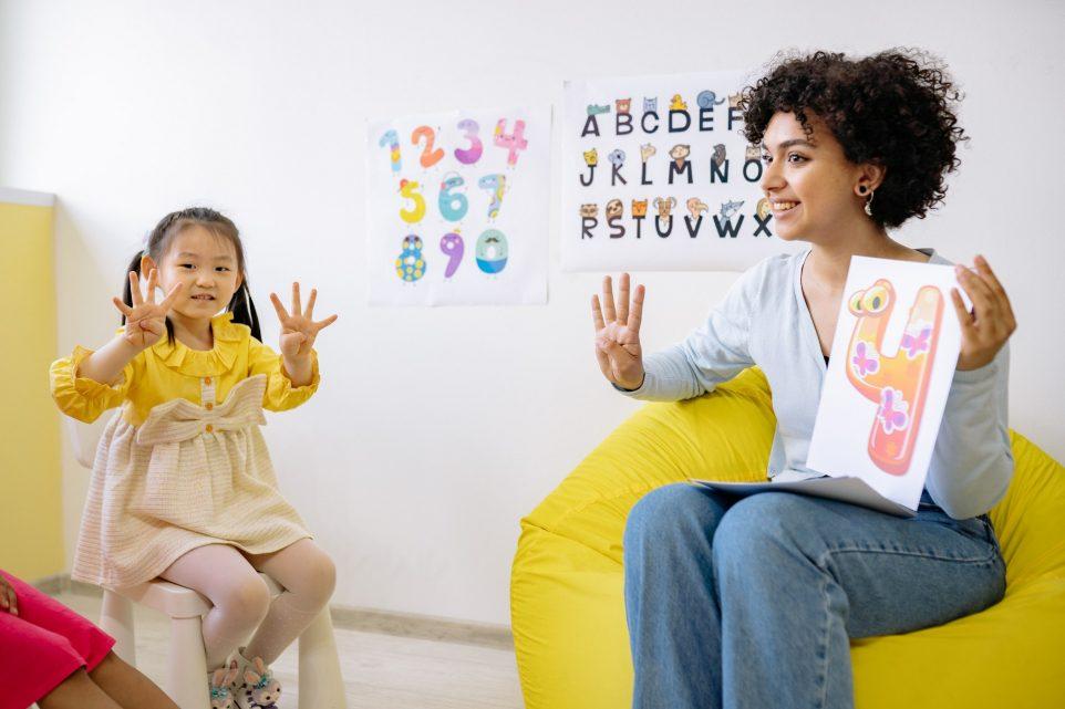 online tutoring vs in-home tutoring
